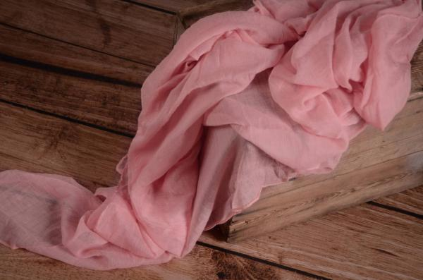 Wrap aus Musselin in Rosa