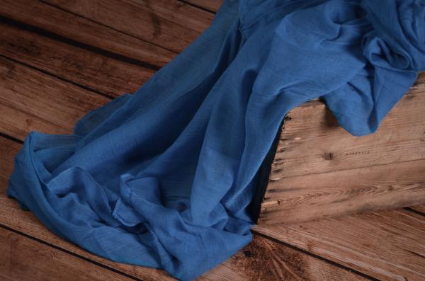 Wrap aus Musselin in Denimblau